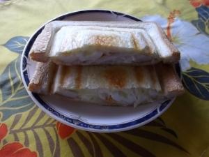 ちくわ&チーズ&マヨのホットサンド
