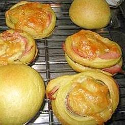 自家製酵母でほうれん草パン
