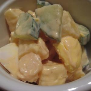 ポテトときゅうりのヨーグルト胡麻風味サラダ
