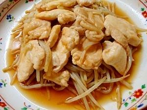 もやしと鶏むね肉の生姜焼き