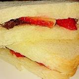 食パンで簡単‼いちごあんトーストサンド