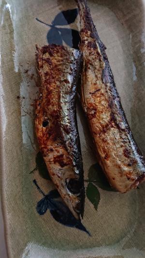 オリーブオイルで秋刀魚の塩焼き