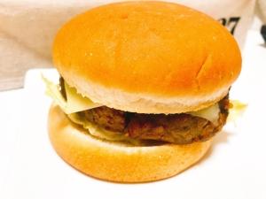 冷凍のハンバーグで作る!手作りお手軽ハンバーガー