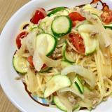 ズッキーニとプチトマトのパスタ