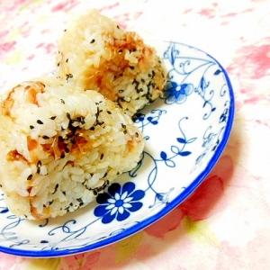 ❤粉チーズとガリマヨ醤油の胡麻御握りさん❤