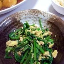 春菊とツナと炒り卵のサッと炒め