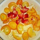 いちご金柑と春キャベツのレモンマヨサラダ