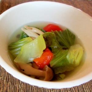 チンゲン菜とパプリカのスープ