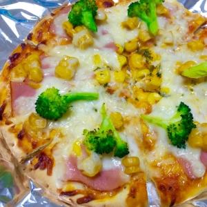 簡単ピザアレンジ♪ハムコーンブロッコリーピザ♡