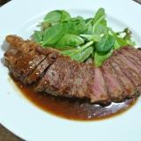 〈裏ワザ〉失敗しないステーキの焼き方ミディアムレア