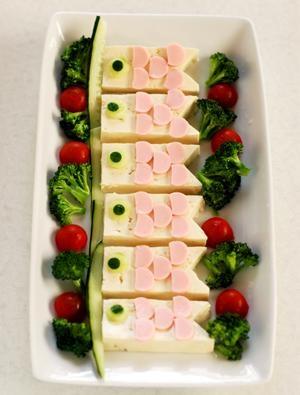 鯉のぼり豆腐サラダ