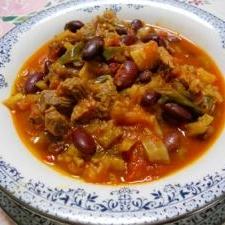 冷蔵庫の残り野菜と牛肉のトマト煮込み