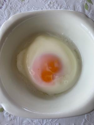 簡単、レンジで半熟卵