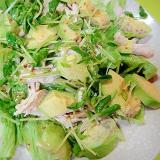 アボカドと鶏肉豆苗のサラダ