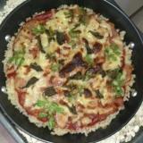 魚焼きグリルでもち米ごはんピザ
