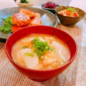 キャベツと長芋と油揚げの味噌汁☆