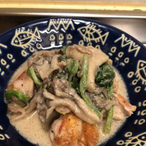 芝麻醤 香る♪鶏肉と舞茸の中華風 豆乳煮込み^_^