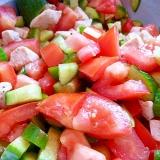 トマトときゅうりのチキンサラダ