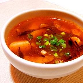 辛くておいしい☆豆腐とひじきの韓国風スープ