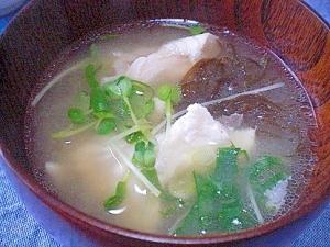 「鯛のアラ&モズク&カイワレの御味噌汁」  ♪♪
