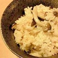 秋の味覚(*/・ω・)/きのこの炊き込みご飯