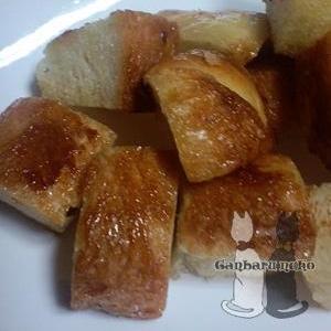 フライパンで簡単オヤツ。ハチミツたっぷりトースト