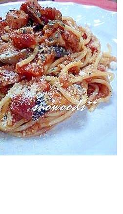 茄子とベーコンのトマト缶パスタ