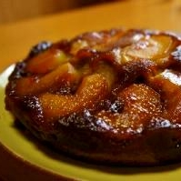 秋の果実・紅玉りんごのカラメルバターケーキ