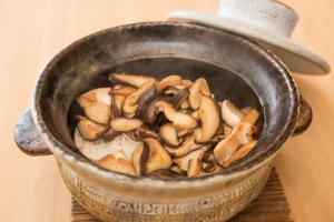 原木椎茸の炊き込みごはん by神宮前 傳