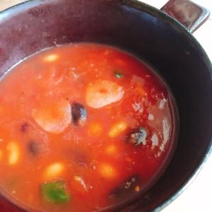 【入れて煮るだけ】しんどい時の豆とトマトスープ