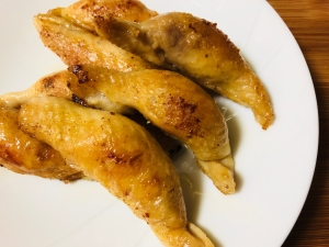【業務スーパー】冷凍鶏皮餃子をパリパリに