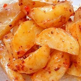 ジャガイモのマヨ&ラー油&バター炒め