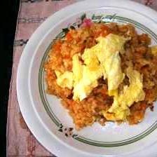 ふわふわ卵のピリ辛チャーハン