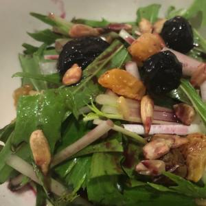 お洒落サラダ☆ 水菜のサラダ ブルーベリーソース