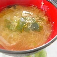 千切りキャベツの卵スープ