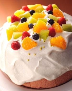 カステラで作るフルーツいっぱい★クリスマス風ケーキ
