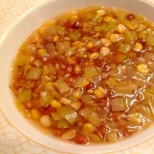 ネギとレンズ豆とトウモロコシのスープ