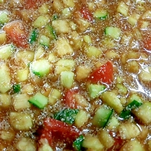 素麺、ご飯にかけておいしい! 野菜たっぷり冷や汁!