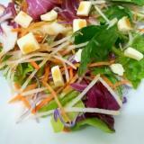 6種の野菜とプロセスチーズの和風サラダ