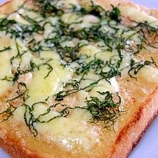 明太子と大葉のチーズトースト