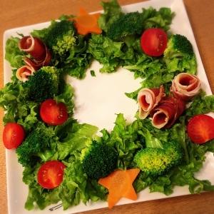 クリスマスに☆リース風サラダ
