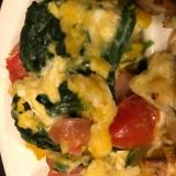 プチトマトとほうれん草と卵の炒め物