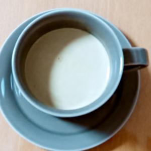飲む分ぴったり☆コクあるほうじ茶ミルク