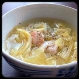 塩だけで旨味たっぷり。春キャベツと鶏肉のスープ