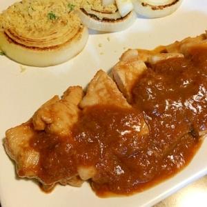 柔らかポークチャップ☆玉ねぎソテーにんにくパン粉