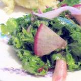 わさび菜と赤カブの簡単カラフルサラダ