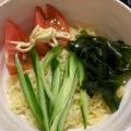 インスタント麺で 冷やしサラダラーメン
