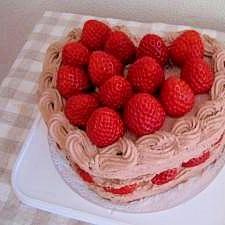 いちごたっぷり☆ハートのチョコレートケーキ