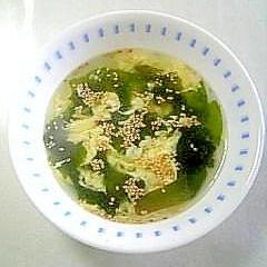 とろみが美味しい☆玉子とワカメの中華スープ