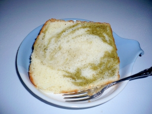 抹茶ミルクマーブルシフォンケーキ